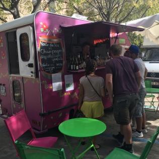 marché sarrains wine-truck